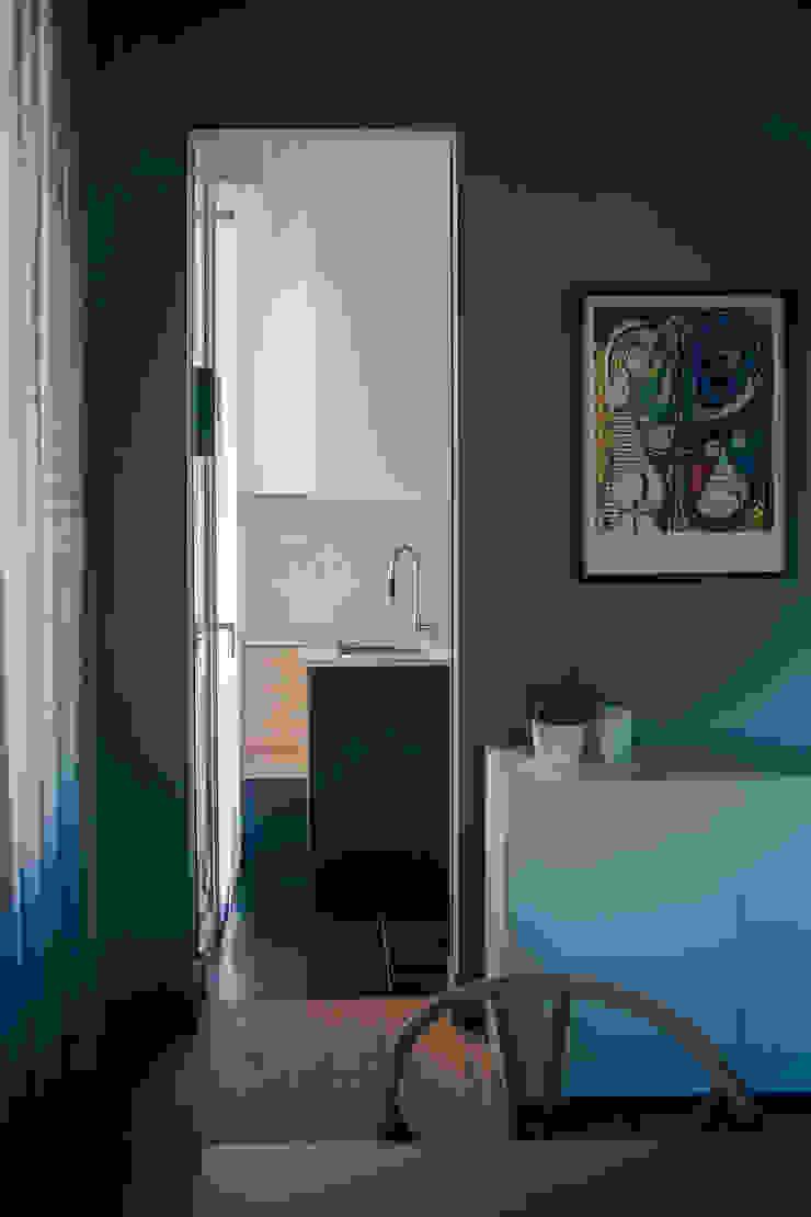 house#01 cucina Cucina minimalista di andrea rubini architetto Minimalista Marmo