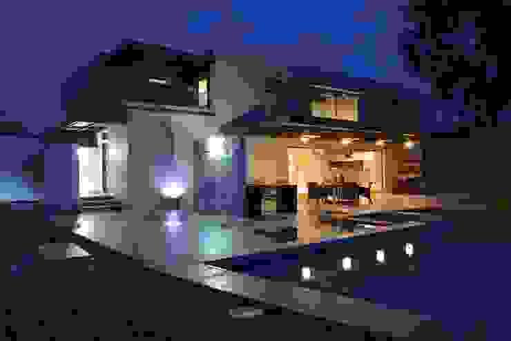 Terrasse de style  par Con Contenedores S.A. de C.V.,