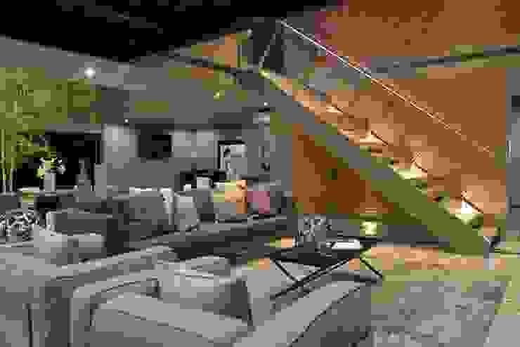 Salas / recibidores de estilo  por Con Contenedores S.A. de C.V.,