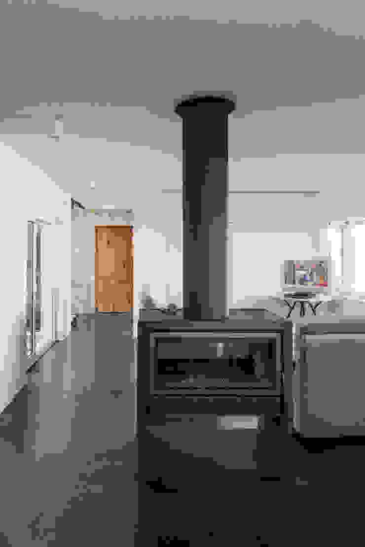 by FPA - filipe pina arquitectura Minimalist