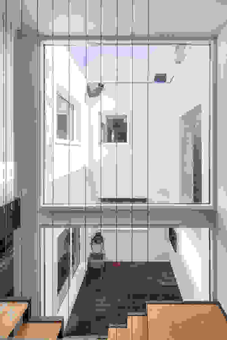 Minimalist house by FPA - filipe pina arquitectura Minimalist