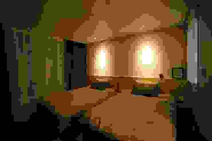 호텔식 트윈룸_34py 모던스타일 침실 by 홍예디자인 모던