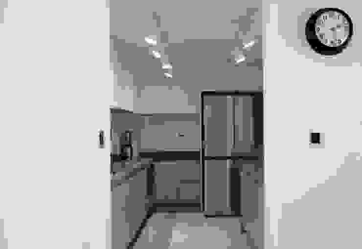 Modern kitchen by 마르멜로디자인컴퍼니 Modern