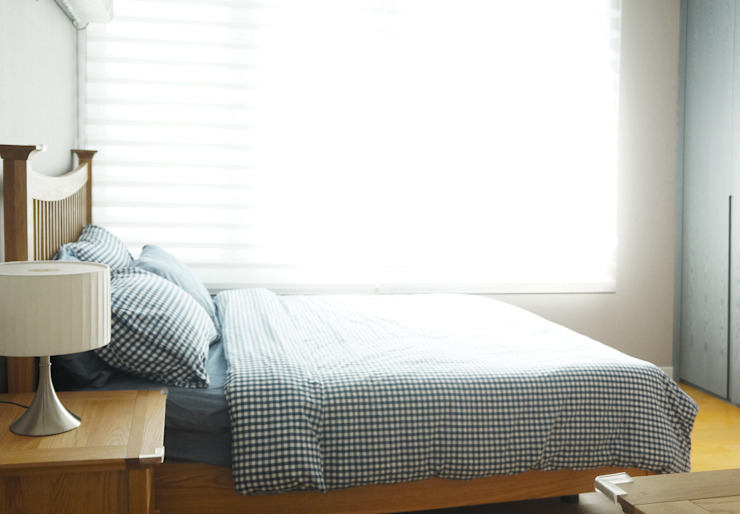 Modern style bedroom by 마르멜로디자인컴퍼니 Modern