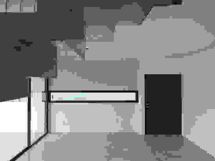Minimal style window and door by jose m zamora ARQ Minimalist