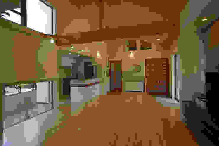 ~深い軒の外部空間を楽しむ『平屋の大屋根の美しい家』 和風デザインの ダイニング の 西薗守 住空間設計室 和風