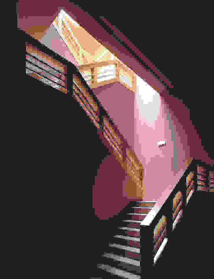 Campo Viejo Winery—Juan Alcorta Winery. Stairway Minimalist corridor, hallway & stairs by Ignacio Quemada Arquitectos Minimalist