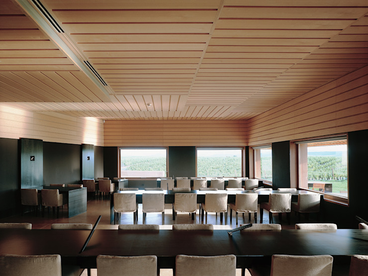 Campo Viejo Winery—Juan Alcorta Winery. Lounge Minimalist dining room by Ignacio Quemada Arquitectos Minimalist