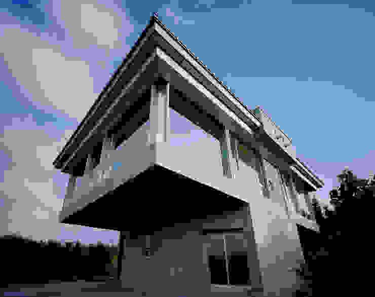 外観のデェイテール モダンな 家 の Guen BERTHEAU-SUZUKI Co.,Ltd. モダン