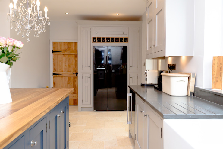 Traditional Kitchen in Huddersfield at Longwood Klasik Mutfak Twenty 5 Design Klasik