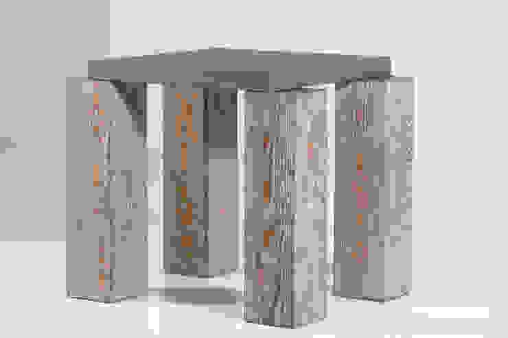 ALTAVOLA NO. 2.B od Altavola Design Sp. z o.o. Industrialny Drewno O efekcie drewna