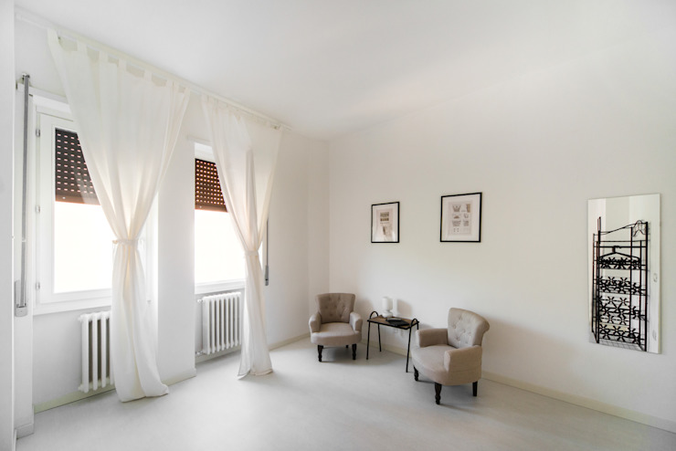 PADIGLIONE B Dormitorios de estilo minimalista Madera Blanco