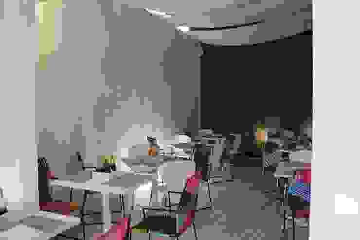 Restaurante-Bar Comedores modernos de Wooden Moderno