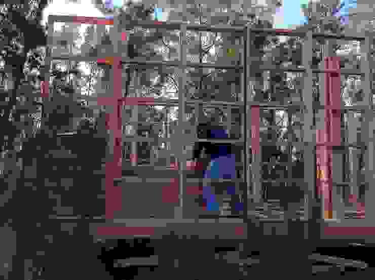 Sistema de Montagem em bastidores modulares estruturais por NORMA | Nova Arquitectura em Madeira (New Architecture in Wood) Rústico