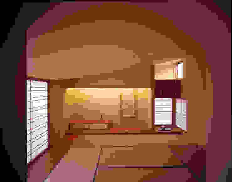 2階のもう一つの趣味の部屋である和室 モダンデザインの 多目的室 の Guen BERTHEAU-SUZUKI Co.,Ltd. モダン