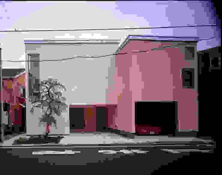 南側外観 モダンな 家 の Guen BERTHEAU-SUZUKI Co.,Ltd. モダン