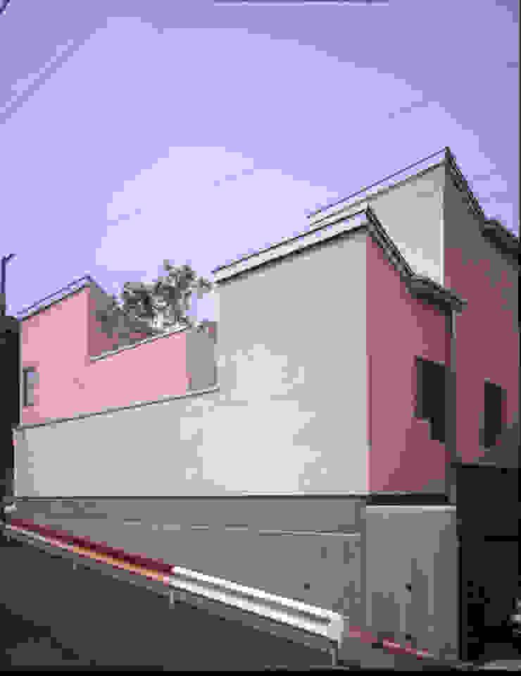東側外観 モダンな 家 の Guen BERTHEAU-SUZUKI Co.,Ltd. モダン
