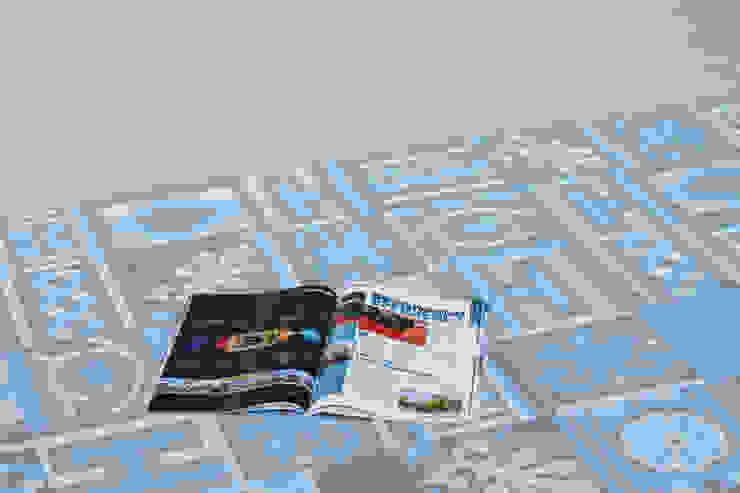 Patchwork cementine - grigio&azzurro Pareti & Pavimenti in stile moderno di Romano pavimenti Moderno Piastrelle