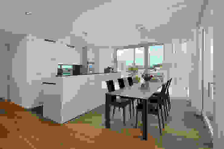 """Wohnüberbauung """"Kirchbühl II"""" Muri (AG) Moderne Küchen von a4D Architekten AG Modern"""