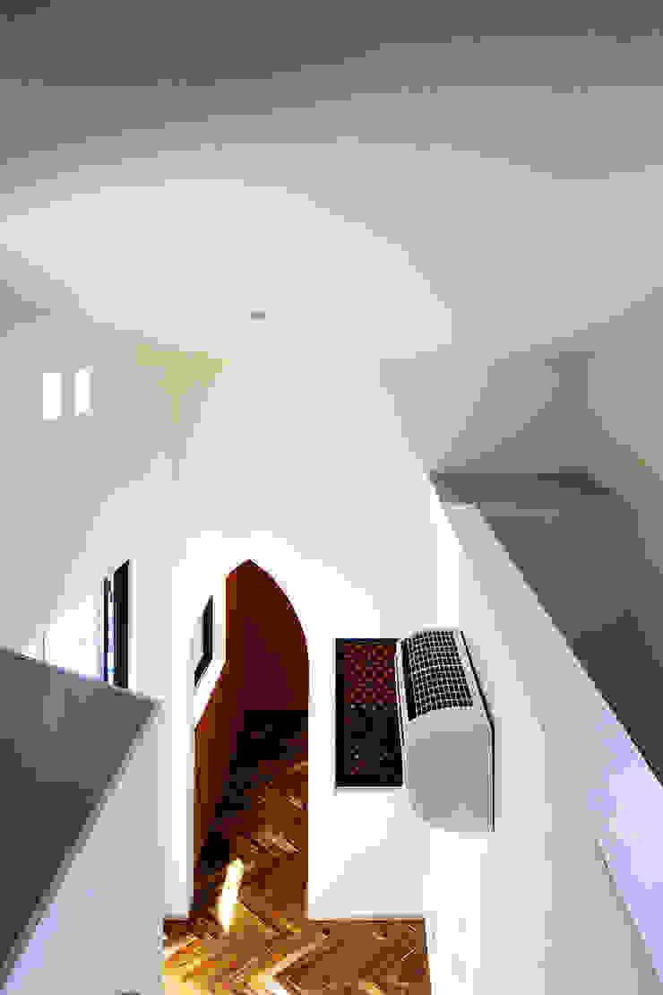 house in yokohama オリジナルデザインの リビング の 株式会社廣田悟建築設計事務所 オリジナル 紙