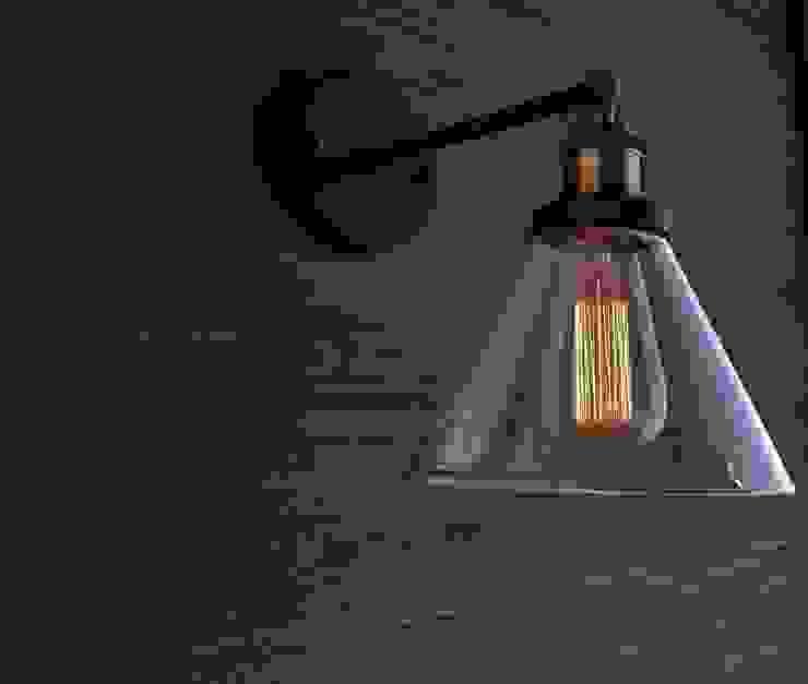 NEW YORK LOFT NO. 1 – KINKIET od Altavola Design Sp. z o.o. Industrialny