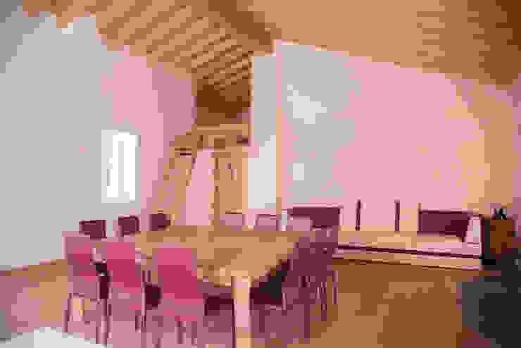 Villa Rustica Soggiorno in stile rustico di RI-NOVO Rustico