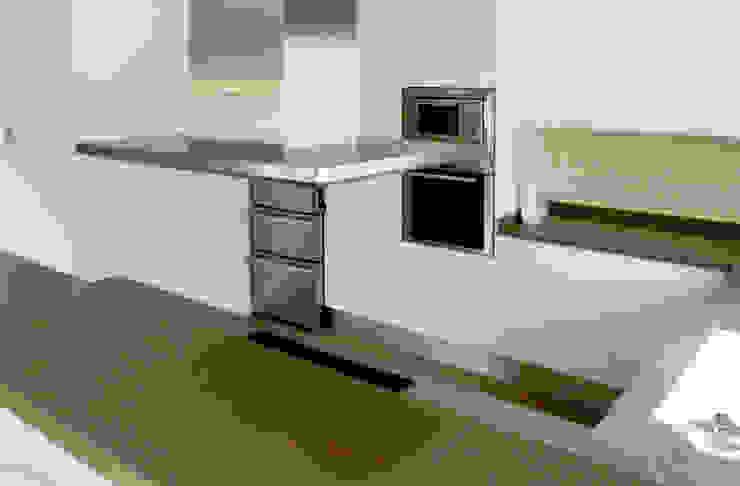 Kitchen acertus Cocinas de estilo moderno