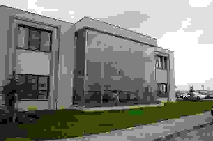 Emiroğlu ATAKÖY Modern Balkon, Veranda & Teras Glassinox Cam ve Metal Sistemleri Modern