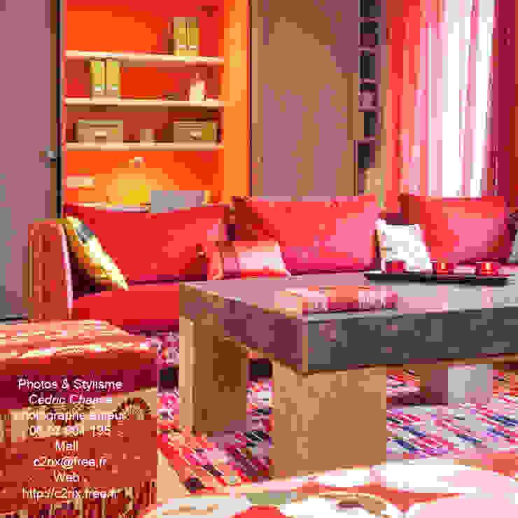 Le salon par Frédéric TABARY Éclectique Textile Ambre/Or