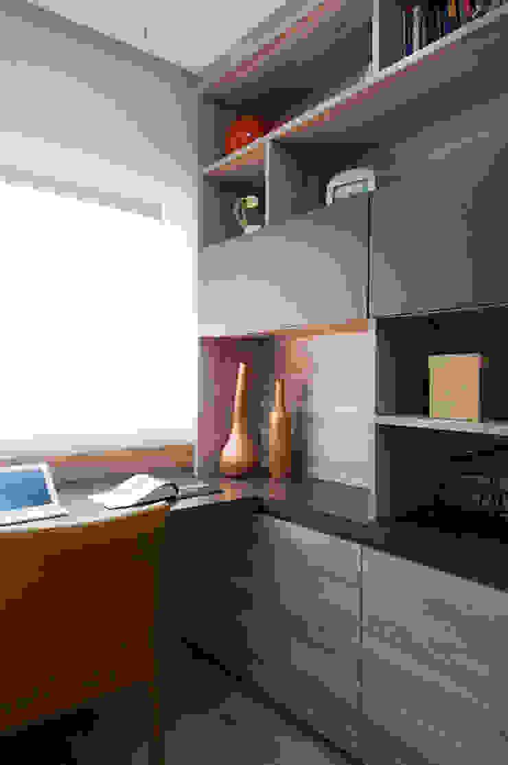 Apartamento Morumbi Escritórios clássicos por Figoli-Ravecca Arquitetos Associados Clássico