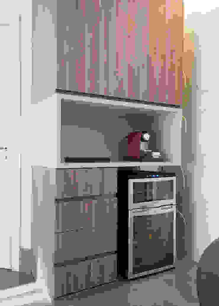 Apartamento Morumbi Adegas clássicas por Figoli-Ravecca Arquitetos Associados Clássico