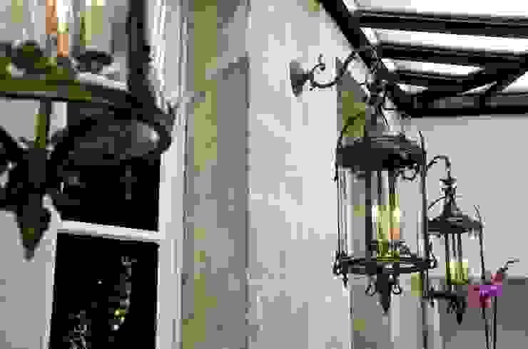 La véranda pour la lumière. Balcon, Veranda & Terrasse modernes par Cabanes & Chateaux Moderne
