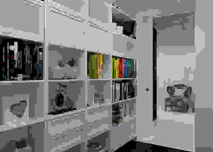 Библиотека Коридор, прихожая и лестница в стиле минимализм от 3D GROUP Минимализм