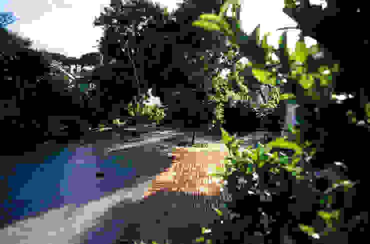 Casa Bustorff Jardins mediterrânicos por Ceregeiro-Arquitectura Paisagista Mediterrânico