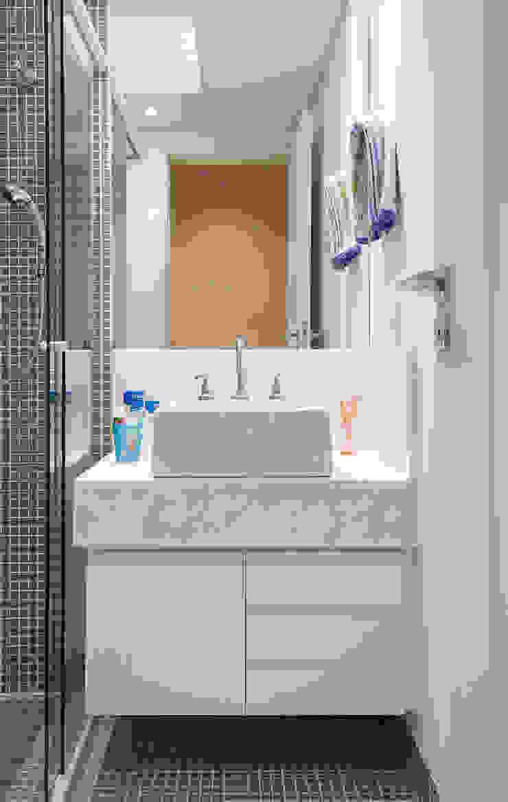 Casa Brooklin Figoli-Ravecca Arquitetos Associados Banheiros clássicos