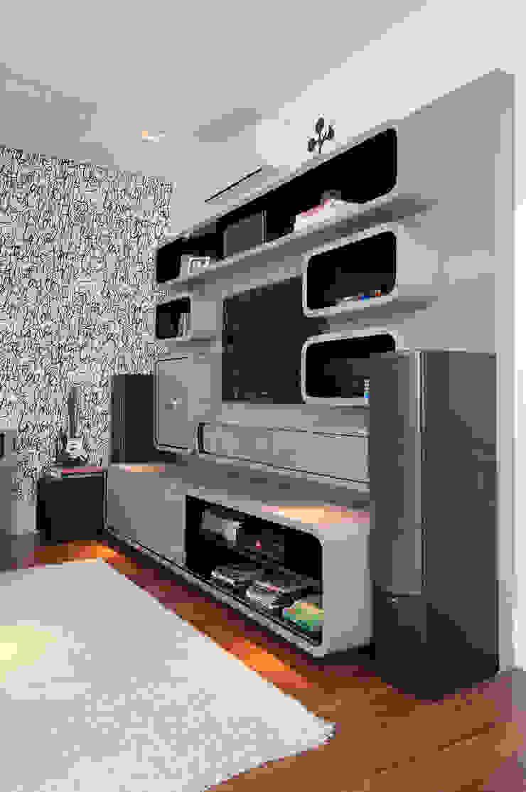 Casa Brooklin Figoli-Ravecca Arquitetos Associados Salas multimídia modernas