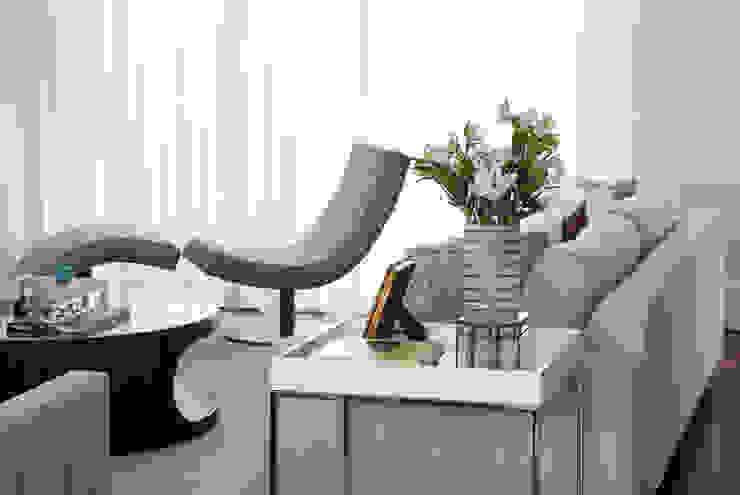 Casa Brooklin Figoli-Ravecca Arquitetos Associados Salas de estar clássicas