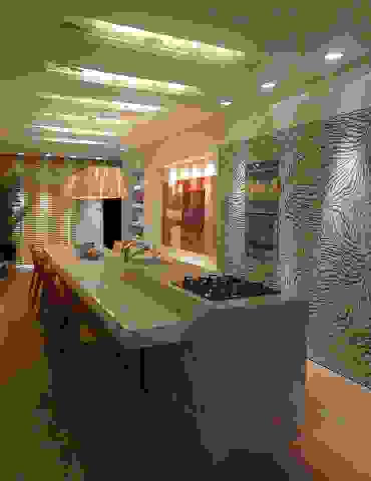 Casa Cor Santa Catarina 2013 Cozinhas modernas por ANNA MAYA ARQUITETURA E ARTE Moderno Mármore