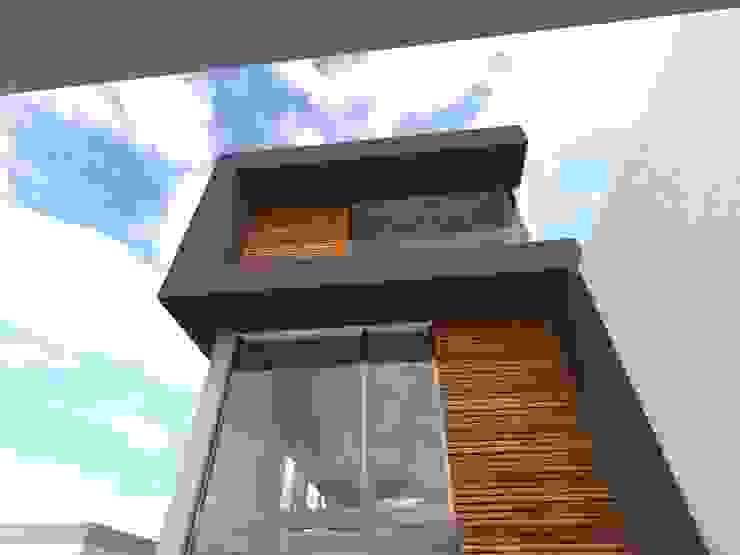 Fachada Hernández Atelier Casas minimalistas de Bamboo design & garden Minimalista Madera Acabado en madera