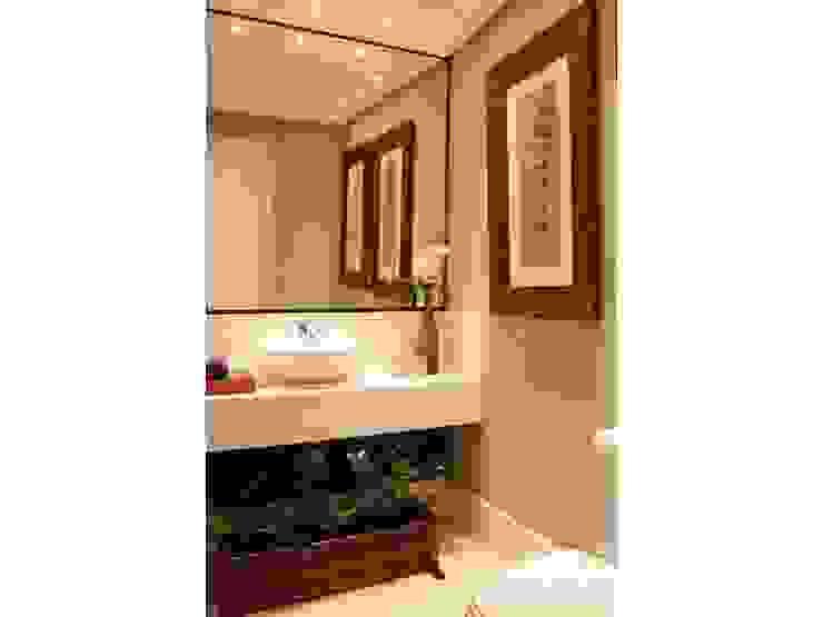 Salle de bain moderne par LX Arquitetura Moderne