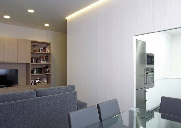 Taller transformado en vivienda Salones de estilo moderno de Taller 582 Moderno