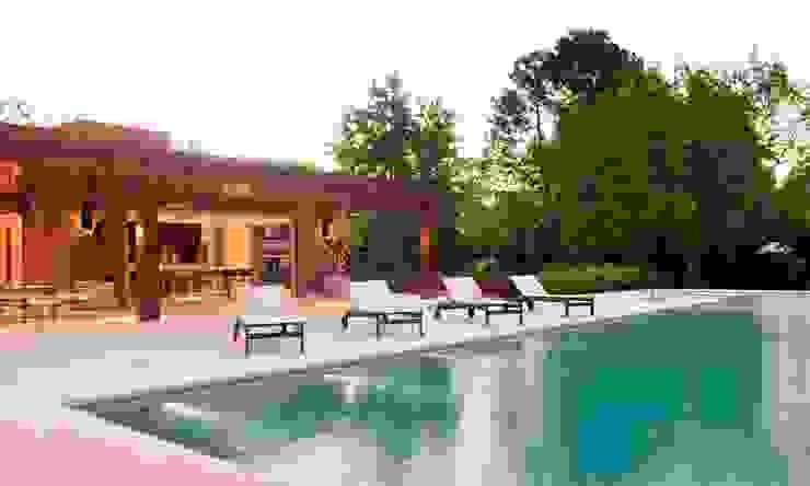 Jardines de estilo moderno de JUNOR ARQUITECTOS Moderno