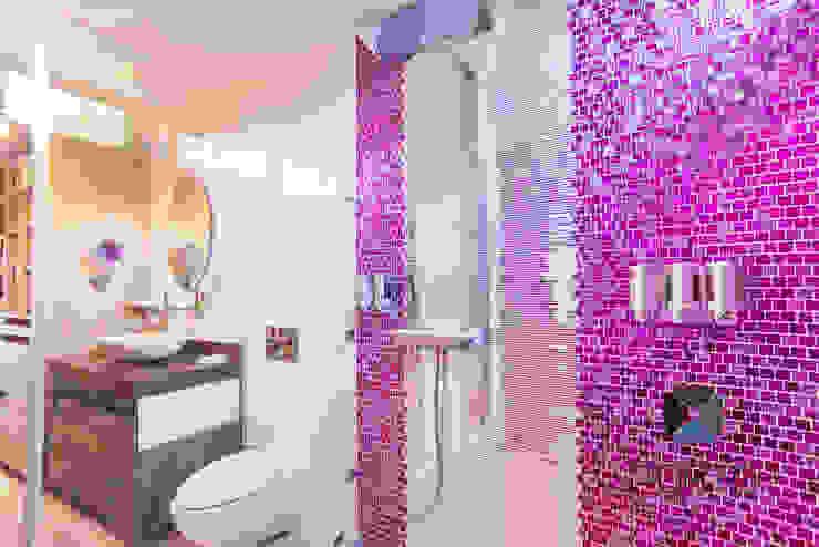 """Proyecto Residencial """"La Ramona."""" Baños eclécticos de PORTO Arquitectura + Diseño de Interiores Ecléctico"""