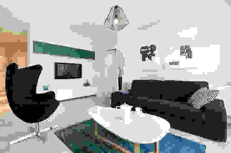 mieszkanie pokazowe 4 pokoje - apartamenty na polanie - Gdynia Minimalistyczny salon od Anna Maria Sokołowska Architektura Wnętrz Minimalistyczny