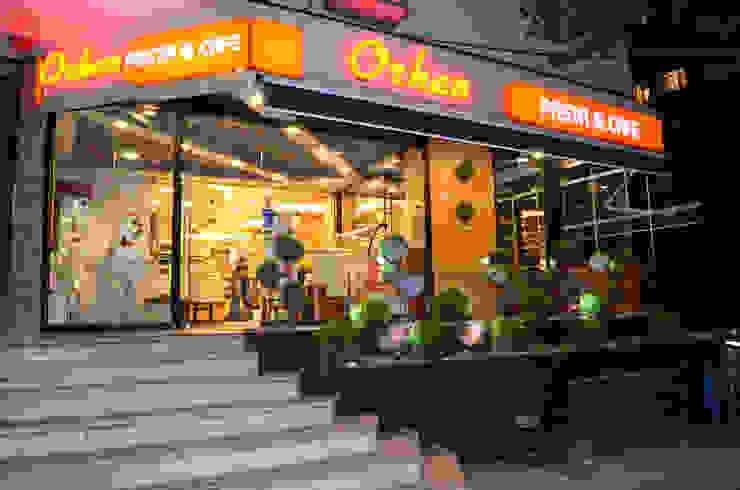 ULUS ORHAN CAFE PATISSERIE Gizem Kesten Architecture / Mimarlik Modern
