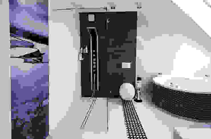 Salle de bain moderne par conceptjoana Moderne