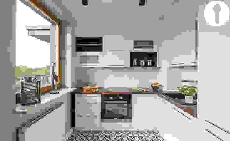 New style! Cozinhas modernas por Urządzamy pod klucz Moderno