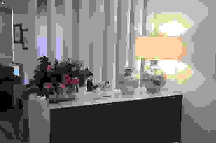 MORADIA UNIFAMILIAR, VISEU: Salas de jantar  por Atelier Ana Pereira Arquitetura e Decoração de Interiores,