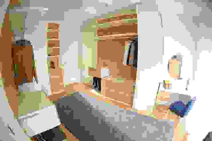 Closets de estilo  por LA BOISERIE, by Atelier Ana Pereira, Moderno