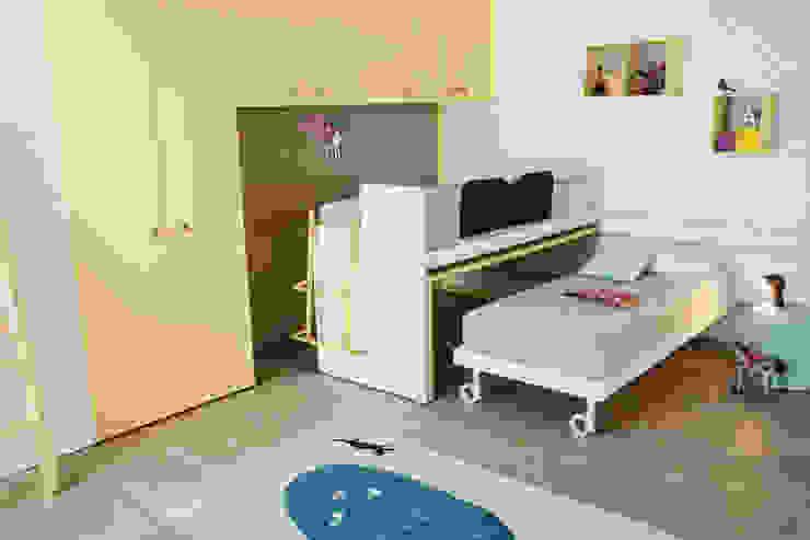 Nidi BedroomWardrobes & closets Yellow
